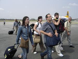 Cooperantes llegando a Guinea Ecuatorial